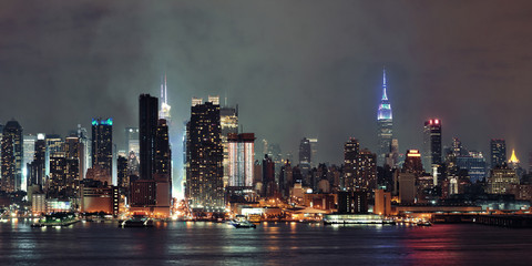Fototapete - Manhattan midtown skyline at night