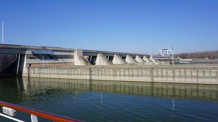 Schleuse, Donau, Österreich von einem Flusskreuzfahrtschiff