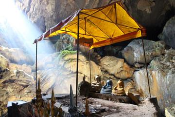 Tham Phu Kham Cave, Vang Vieng, Laos