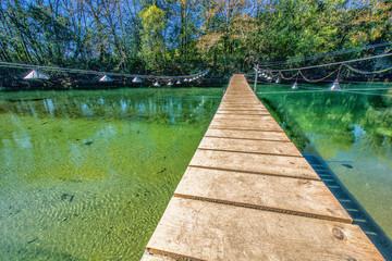 Pasarela para la pesca de la lamprea (Petromyzon marinus) en las cercanías de Ponte de Fillaboa (Pontevedra, Galicia, España)