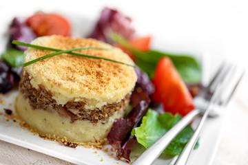 hachis parmentier (assiette blanche)