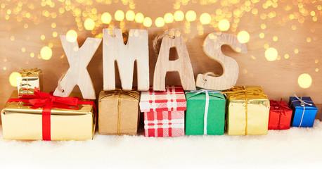 Xmas Weihnachten Header mit vielen Geschenken
