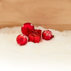 Weihnachten Dekoration mit rotem Geschenk