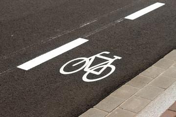 Symbol Radweg, Markierung auf der Straße