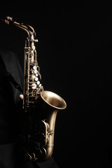 In de dag Muziek Saxophone player. Saxophonist with jazz musical instrument