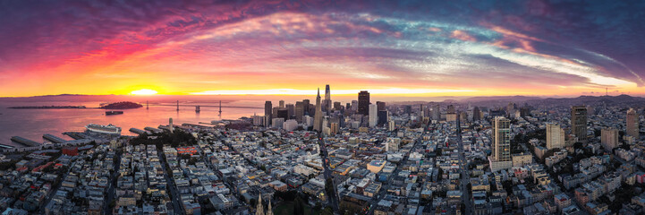 Fototapete - Aerial Panoramic View of San Francisco Skyline at Sunrise