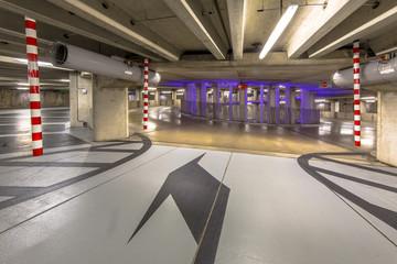 Circular parking garage mall