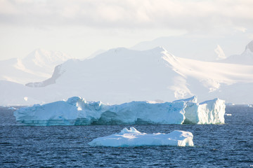 Photo sur Aluminium ice in the Antarctica with iceberg in the ocean