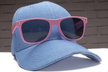 sun glasses pic on the cap