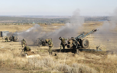 Servicemen of the self-proclaimed Lugansk People's Republic take part in military exercises at a target range in Luhansk Region