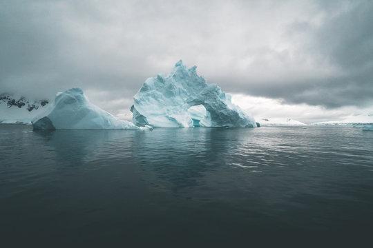 Eisberg im ewigen Winter