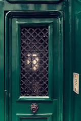 Porte d'immeuble parisien, Montmartre, Paris