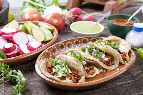 Fototapete Tacos of meat to the shepherd or marinated