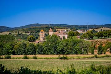 Pierreclos et son Châtreau en Bourgogne