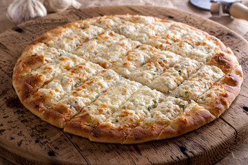 Garlic Fingers Pizza