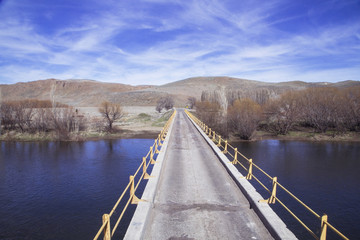 Foto op Aluminium Meer / Vijver Puente cruzando río, Argentina, Patagonia