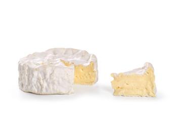 camembert sur fond blanc