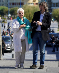 """English actress Judi Dench and director Trevor Nunn arrive to a photocall to promote the feature film """"Red Joan"""" at the San Sebastian Film Festival"""