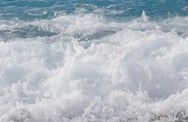 Autocollant pour porte Eau close up of azure foaming sea in Nice, France