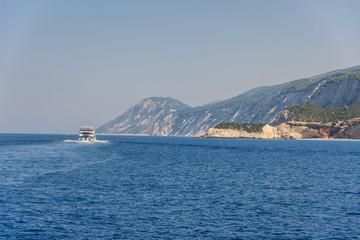 Photo sur Aluminium Antarctique Cruise trip to Greece at summer.