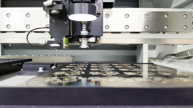 machinery for positioning smd components on pcb