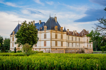 Le Château de Cormatin et ses Jardins en Bourgogne