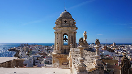 Aussicht über die Stadt Cádiz am Atlantik, Andalusien / Spanien.