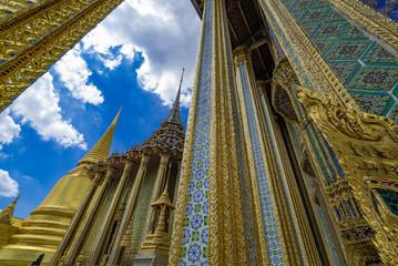タイ王宮とエメラルド寺院・ワットプラケオ(Wat Phrakeaw Thai)