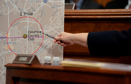 Phoenix prosecutor Rachel Mitchell points to a map as she questions Christine Blasey Ford at the Senate Judiciary Committee hearing on Capitol Hill in Washington