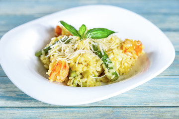 Risotto with shrimps and asparagus