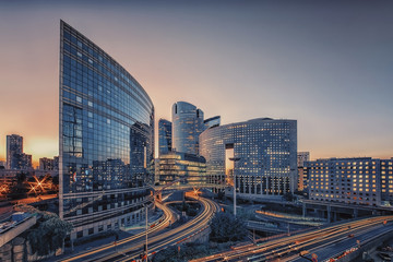 Photo sur Aluminium Batiment Urbain La Defense, business district in Paris, France