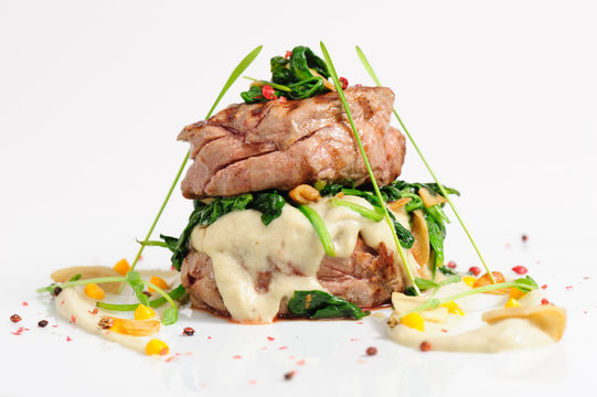 Veal medallions with spinach