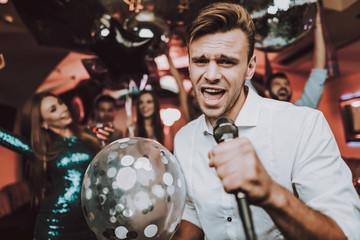 Balloon.Karaoke Club. Celebration.Sing in Karaoke.