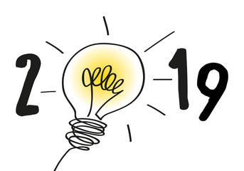 Le concept d'une idée lumineuse pour la nouvelle année, ouvre de nouvelles perspectives pour 2019