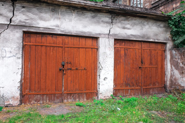 old gates, vintage gates, wooden gates, metal gates