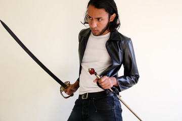 A espada e a rosa morta