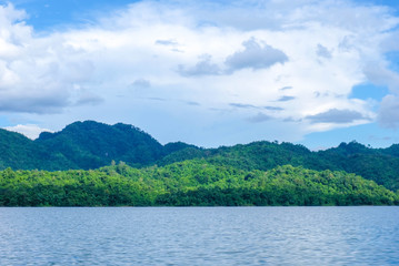 The atmosphere in the dam is clear sky, clear water, mountains hundreds of green trees. Recommend to relax during the holidays,Khao Laem Dam Top Tourist Destinations in Thailand