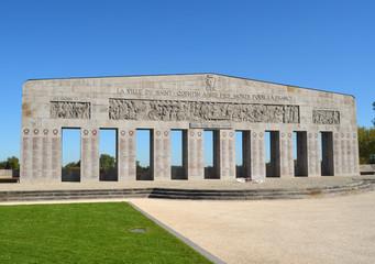 monument aux morts de saint quentin