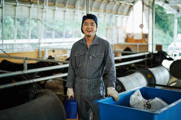 畜産農家の若者