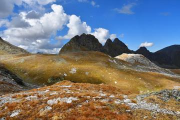 Россия, Архыз. Горы в сентябре в облачный день