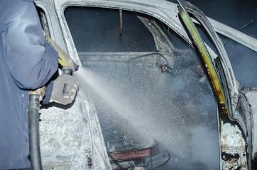 Τhe thieves burn a job car after robbery Athens Greece