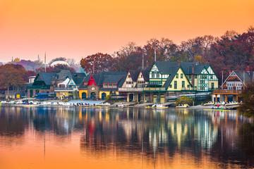 Fototapete - Philadelphia, Pennsylvania, USA Boathouse Row