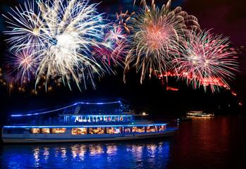 Feuerwerk auf dem Rhein, Koblenz