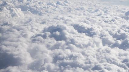 Wolken aus dem Flugzeug Wolkenmeer von oben