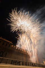 Fuochi d'artificio dal castello, Galliate, Novara, Piemonte, Italia