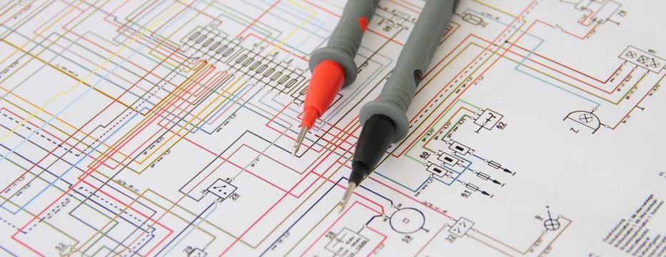 Multimeter mit einem Schaltplan 3