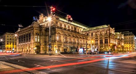 Wiener Opernhaus bei Nacht