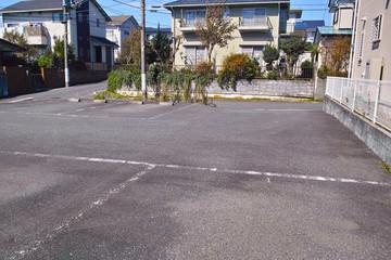 住宅街の中にある駐車場