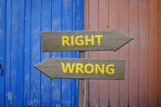Right and wrong arrows decisions concept