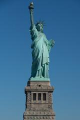 アメリカ・ニューヨーク・青空の自由の女神